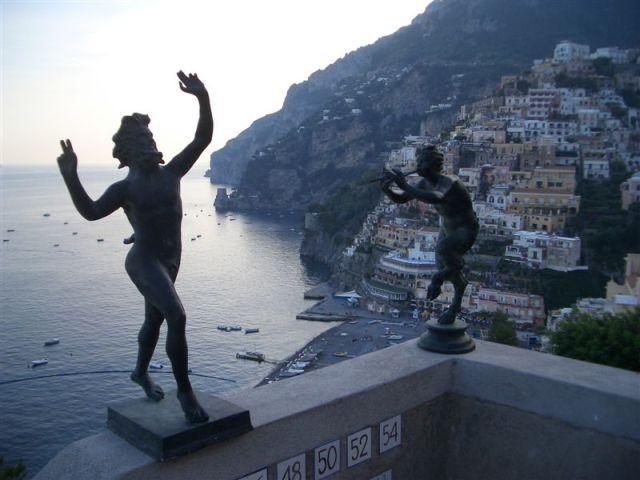 Statues Positano